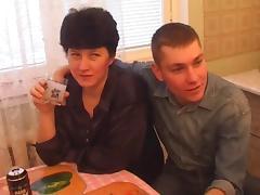 Gangbang wihw Russian milf tube porn video