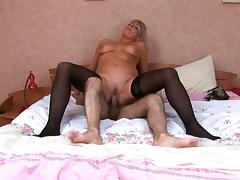 Hot Russian mature in stockings fuck at bedroom tube porn video