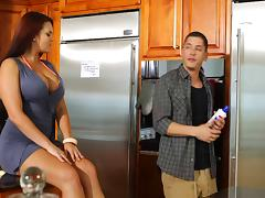 Mackenzee Pierce enjoys some naughty banging in the kitchen tube porn video