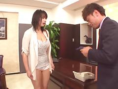 In the office he eats his Asian co-workers hot ass tube porn video