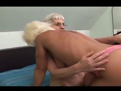 Two granny lesbians licking and toying the pussy !! tube porn video