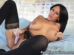Faustine Lee in Sexy Solo tube porn video