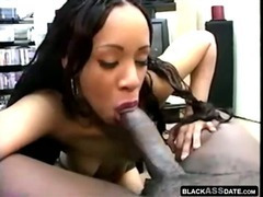 Amateur black girlfriend gets face cheek load tube porn video