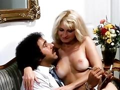 Lili Marlene, Ron Jeremy in chick strips and gives her hot ass to Ron Jeremy tube porn video