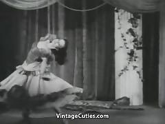 Vera Lee Shows off Her Sexy Body (1950s Vintage) tube porn video