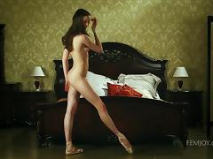 nude ballerina masturbating tube porn video