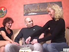 Buxom granny with a great ass enjoying a hardcore threesome tube porn video