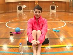 Sporty Asian gymnast spreads her legs wide for a stiff cumshooter hardcore tube porn video