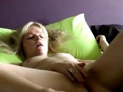 Danish blondie Laura shows intimate home solo tube porn video