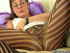 British granny Georgie fingers her ass tube porn video