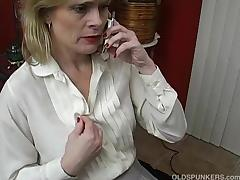 Sexy mature babe talks dirty on the phone while wanking tube porn video