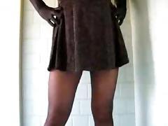 Crossdresser in black pantyhose jerking tube porn video