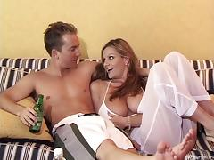 Beach babes meet a dude and have a threesome in a hotel tube porn video