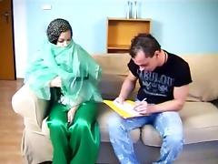 22 yr Iranian slut gets fucked! tube porn video