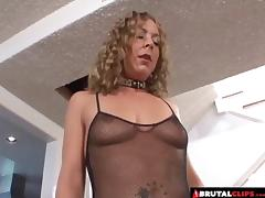 Curly experienced babe experiences the rough anal treatment tube porn video