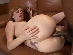 Beautiful freckled redhead ass fucked by a really big dick tube porn video