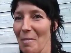 Amy wordt in de cabrio geneukt tube porn video