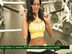Ingenious Woman Flashing Tits In The Gym tube porn video