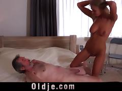 Stunning Blonde Fucking Wrinkled Old Man tube porn video