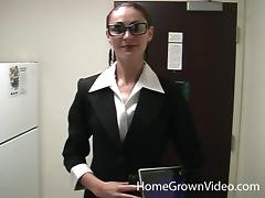 Nerdy chick with huge glasses and the pulsating boner tube porn video