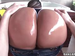 Sandra and Rianna gets fucked in the jacuzzi tube porn video