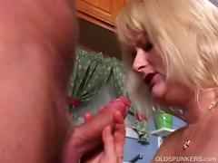 Mature pornstar Lizzy Liques loves to fuck tube porn video
