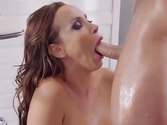 Nikki Benz takes Cumshot Facial tube porn video