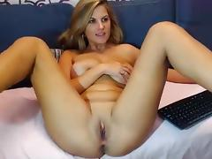 Bryanne shows off her ass and rubbing her pussy tube porn video