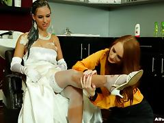 Fabulous bride gets pleasured with a full body shampoo service tube porn video