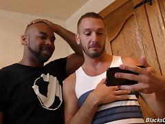 Interracial gay adventure with the chocolate dude and his white pal tube porn video