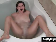 Busty Sosha Masturbating In Jacuzzi tube porn video