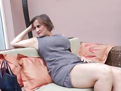Classic mature diva drilling her tight anal with toy tube porn video