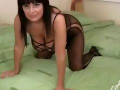 Mom in lingerie tube porn video