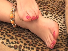 Hairy Pussy and Feet Fetish in this Video Featuring a Hairy Russian Amateur tube porn video