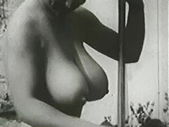 Busty Mom Sunbathing and Cleaning 1950 tube porn video