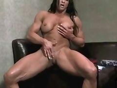 Muscolar female huge clit tube porn video