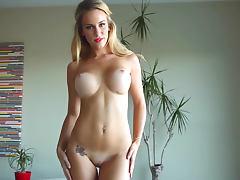 Just look at Jenni Lynn's ideal body tube porn video