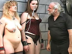 Fat babe being impaled in her tight asshole tube porn video