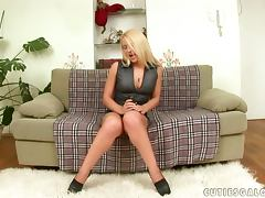Brittany Spring gets a lot of pleasure from toying her juicy snatch tube porn video