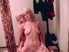 Attractively saggy blonde milf tube porn video