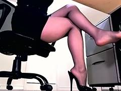 Hawt hose legs and peeptoe mule dangle tube porn video