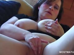Close-up with busty mature rubbing her shaved pussy tube porn video