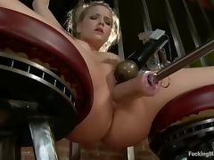 Alexis Texas gets stunningly fucked to orgasm by a sex machine tube porn video