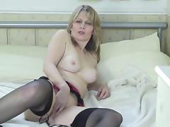 A tasty Brit milf 2 tube porn video