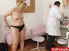 Matured enjoys someone's skin gyno exam tube porn video