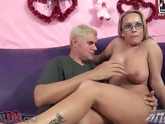 Jessica Moore moans with admiration while acquiring the brush carry off licked tube porn video