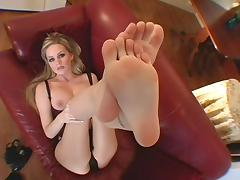 smoking hot legs covered with stockings tube porn video