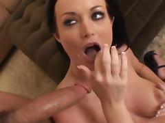 MILF Melissa Lauren fucks in her snatch tube porn video