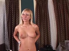 Bleached Deniska is stretching her pussy tube porn video