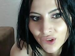Perfect babe fingers her snatch on a webcam tube porn video